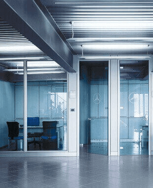 Автоматические раздвижные двери в магазинах
